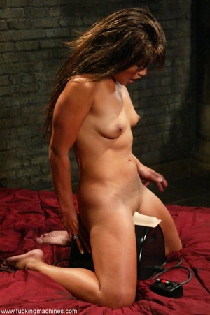 Lady has an incredible orgasm on top of sybian machine - XXXonXXX - Pic 17