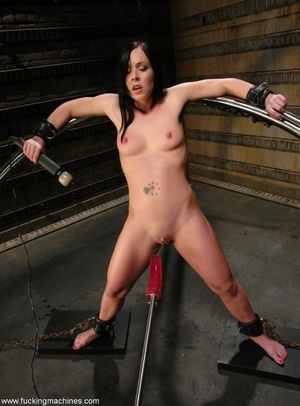 Machine driven dildos infiltrated inside a sweet pussy - XXXonXXX - Pic 2