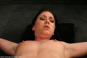 Machine driven dildos infiltrated inside a sweet pussy - XXXonXXX - Pic 9