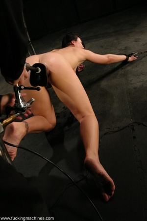 Machine driven dildos infiltrated inside a sweet pussy - XXXonXXX - Pic 12
