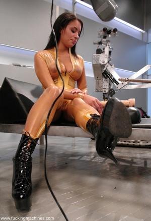 Naked woman has an intense orgasm from fucking machines - XXXonXXX - Pic 1