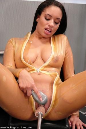 Naked woman has an intense orgasm from fucking machines - XXXonXXX - Pic 3