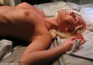 Mechanized dildo gets blonde's pussy pounded out hard - XXXonXXX - Pic 8