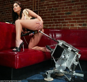 Sweet lady gets her pussy wrecked by a sybian machine - XXXonXXX - Pic 4