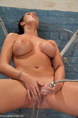 Brunette bitch with a bubble butt gets d - XXX Dessert - Picture 5
