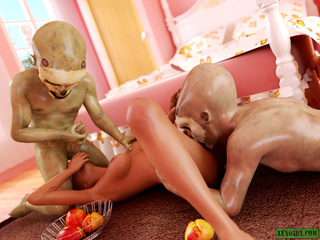 Two short aliens handling red-haired slut - Picture 5