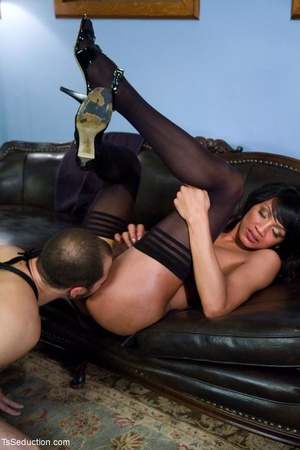 Rock-hard tranny in sexy black stockings - XXX Dessert - Picture 14