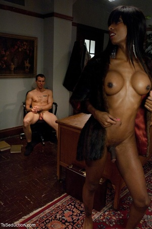 Ebony t-girl goddess gives it all she's  - XXX Dessert - Picture 18