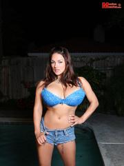 blue eyeshadow blue bra