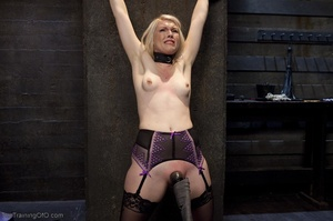 Sexy harlot in hot lingerie is totally i - XXX Dessert - Picture 6