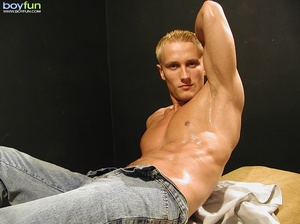 Shaven blonde dude with nice abs poses so hot and  pulls down pants - XXXonXXX - Pic 8