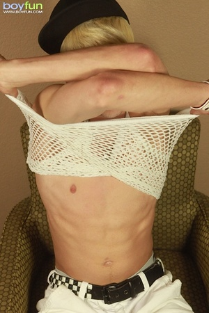 Hot blond would like to get fucked in the ass wearing his cap and sexy underwear - XXXonXXX - Pic 4