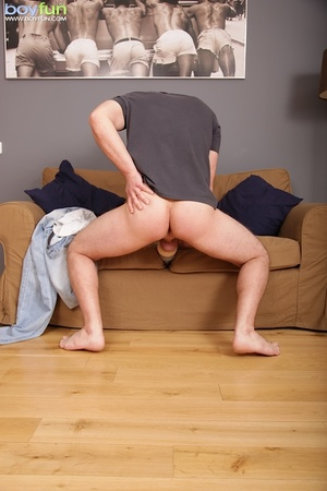 He was playing with himself when his friend comes in and get sucky fucky - XXXonXXX - Pic 3