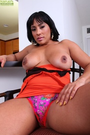 exotic busty milf makes