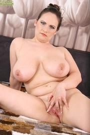 mega curvy brunette milf