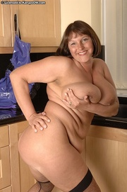 very thick mom leather