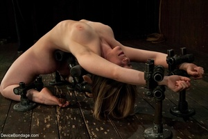 Biddable bitch does a backbend while Mas - XXX Dessert - Picture 2