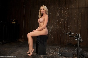 Hot blonde's curvy body is on full displ - XXX Dessert - Picture 8