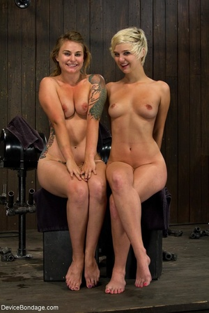 During a BDSM session, slaves are caged  - XXX Dessert - Picture 5