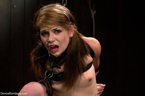 Pink-lipped teen makes a statement witho - XXX Dessert - Picture 5