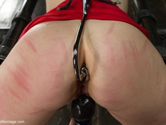 Red-lipped Mistress shoves fingers and an ass plug - XXXonXXX - Pic 8