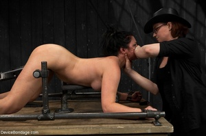 All-natural woman is bound in the most uncomfortable position as she takes the mistreatment well. - XXXonXXX - Pic 17