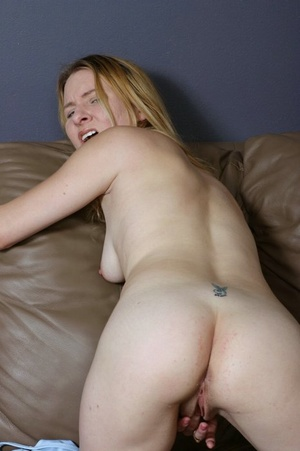 Attractive blonde babe with natural tits spreads her raw luscious cunt. - XXXonXXX - Pic 2