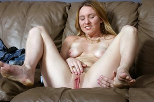 Attractive blonde babe with natural tits spreads her raw luscious cunt. - XXXonXXX - Pic 13