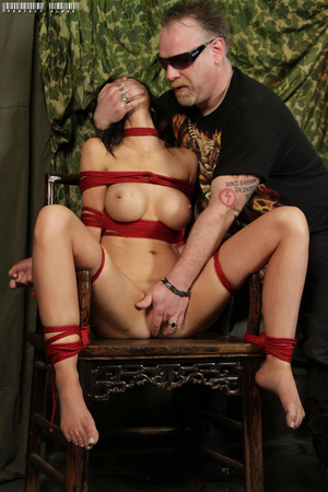 Alluring babe with sweet tits and stunni - XXX Dessert - Picture 4