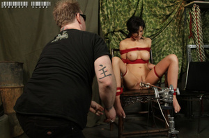 Alluring babe with sweet tits and stunni - XXX Dessert - Picture 6