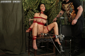 Alluring babe with sweet tits and stunni - XXX Dessert - Picture 7