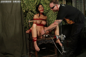 Alluring babe with sweet tits and stunni - XXX Dessert - Picture 8