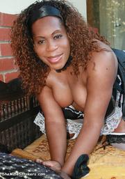 beefy ebony t-girl posing