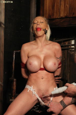 Hot busty blonde racked and gagged enjoy - XXX Dessert - Picture 2