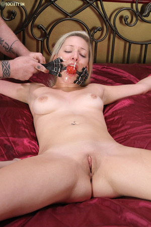 Cute blonde folded, racked, tied and gag - XXX Dessert - Picture 3