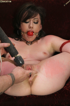 Hark hair slut tied, upturned and hung g - XXX Dessert - Picture 4