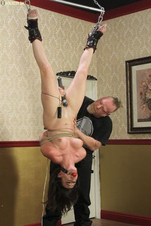 Hark hair slut tied, upturned and hung g - XXX Dessert - Picture 5