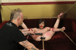 Hark hair slut tied, upturned and hung g - XXX Dessert - Picture 9