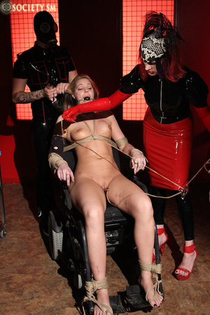 Tall curvy blonde gets roped, tortured a - XXX Dessert - Picture 6
