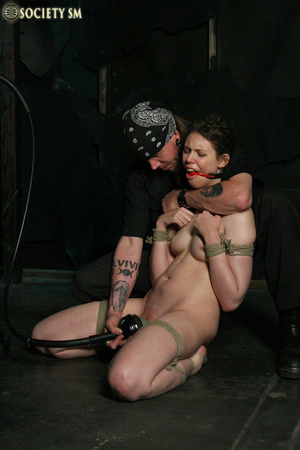 Brunette roped, suspended, racked and to - XXX Dessert - Picture 4