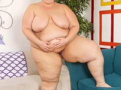 Chubby ebony, blonde and brunettes flaunt and lick hot - Picture 4