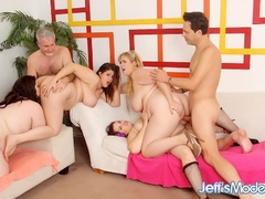 Fours sexy chubby babes and two lucky guys screw - Picture 8