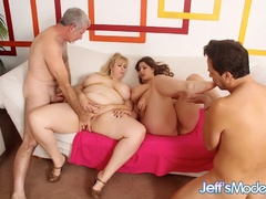 Fours sexy chubby babes and two lucky guys screw - Picture 11