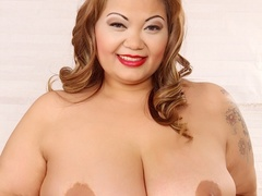 Tattooed brunette in leopard spot dress and black - Picture 6
