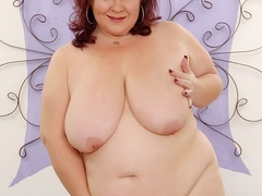 Chubby brunette in net dress and red lingerie handles - Picture 9