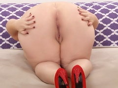 Chubby brunette in net dress and red lingerie handles - Picture 14