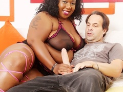 Chubby busty tattooed ebony in black lingerie blows and - Picture 2