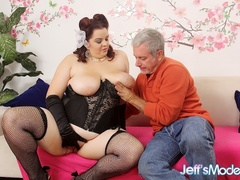 Hot big brunette in black corset gets licked and fucked - Picture 2