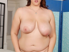 Pretty fresh chubby brunette in black negligee flaunts - Picture 7