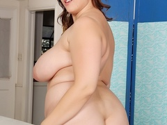 Pretty fresh chubby brunette in black negligee flaunts - Picture 9